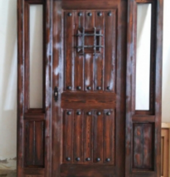 puerta rustica con chorro de arena